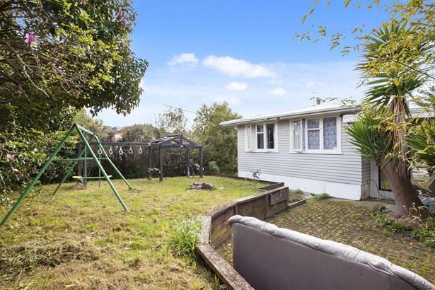 2 Lucinda Place, Glen Eden, Auckland - NZL (photo 3)