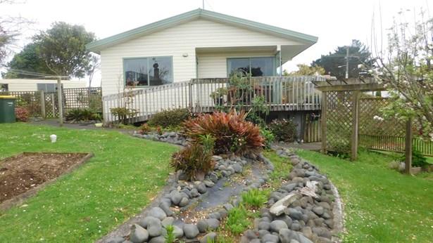 2636 Awhitu Road, Awhitu, Auckland - NZL (photo 2)