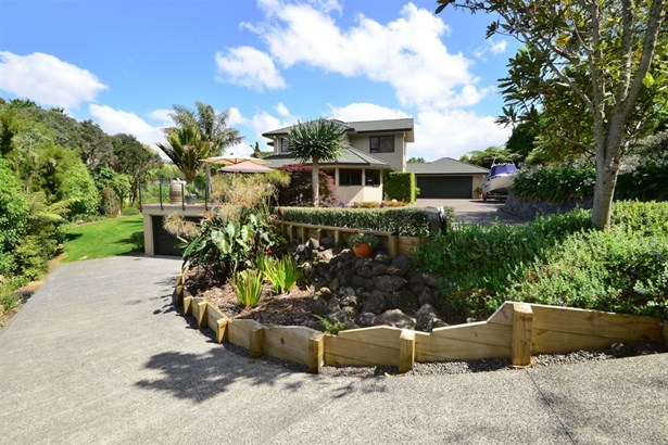 17 Windfall Grove, Greenhithe, Auckland - NZL (photo 1)