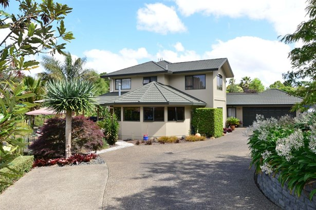 17 Windfall Grove, Greenhithe, Auckland - NZL (photo 2)