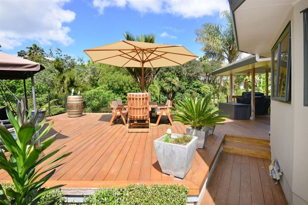 17 Windfall Grove, Greenhithe, Auckland - NZL (photo 3)