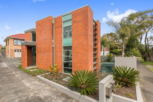 18a Peary Road, Mt Eden, Auckland - NZL (photo 3)