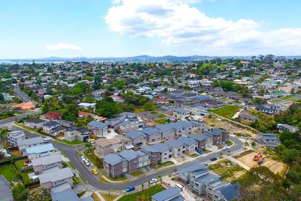 29 Sunshine Boulevard, Sunnyvale, Auckland - NZL (photo 2)
