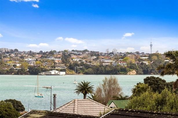 44 Clovelly Road, Bucklands Beach, Auckland - NZL (photo 4)