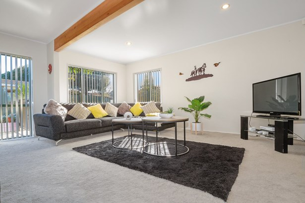 2/9 Barcroft Place, Clendon Park, Auckland - NZL (photo 2)