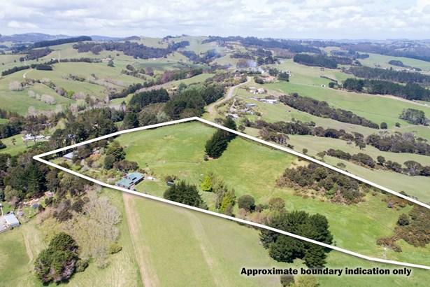 1811 Kaipara Coast Highway, Kaukapakapa, Auckland - NZL (photo 2)