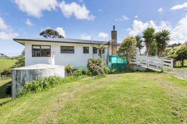 459a Karioitahi Road, Waiuku, Auckland - NZL (photo 5)