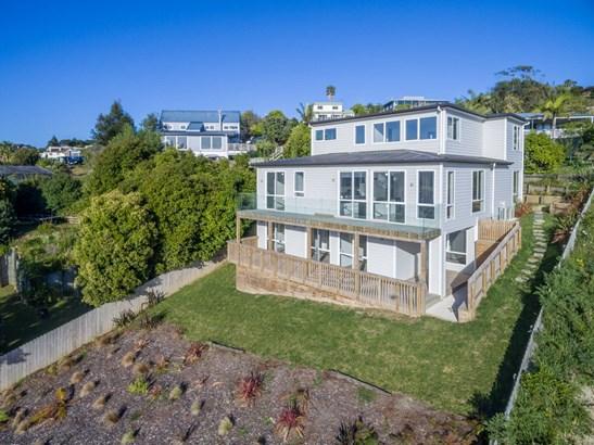 17 Orewa Heights Crescent, Orewa, Auckland - NZL (photo 2)