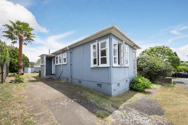 48 Tahapa Crescent, Meadowbank, Auckland - NZL (photo 2)
