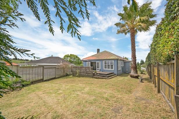 48 Tahapa Crescent, Meadowbank, Auckland - NZL (photo 3)