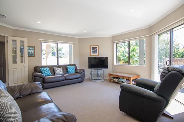 4 Fern Place, Beachlands, Auckland - NZL (photo 5)