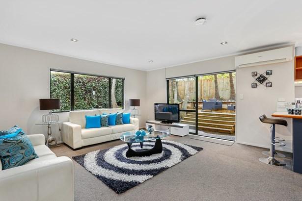 2/12 Varlene Terrace, Forrest Hill, Auckland - NZL (photo 4)