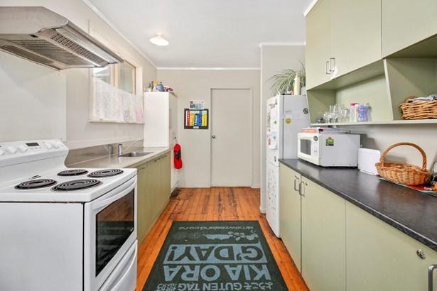 50 Farringdon Street, Glen Innes, Auckland - NZL (photo 4)