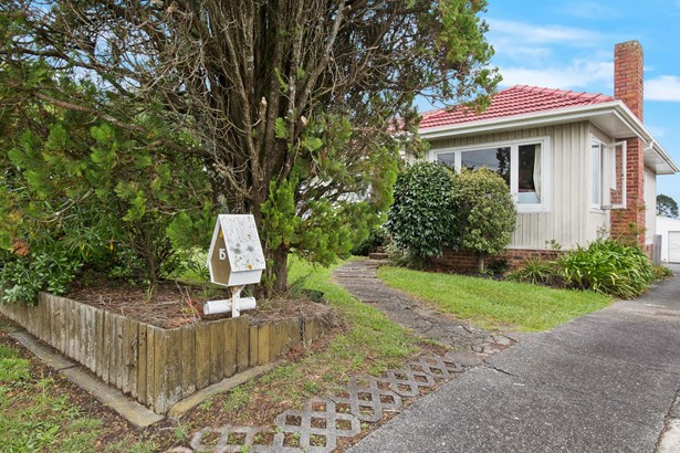 15 Connaught Street, Blockhouse Bay, Auckland - NZL (photo 2)