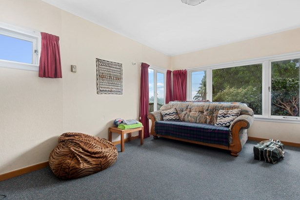 15 Connaught Street, Blockhouse Bay, Auckland - NZL (photo 3)
