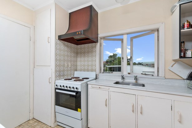 15 Connaught Street, Blockhouse Bay, Auckland - NZL (photo 4)