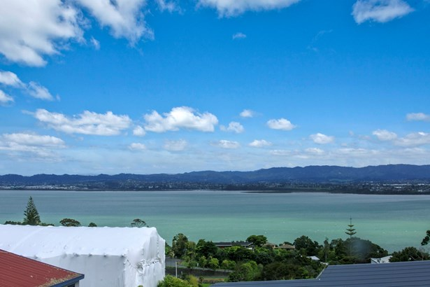 21 Mariners View Road, Beach Haven, Auckland - NZL (photo 3)