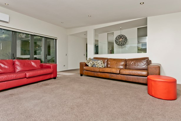 21 Mariners View Road, Beach Haven, Auckland - NZL (photo 4)