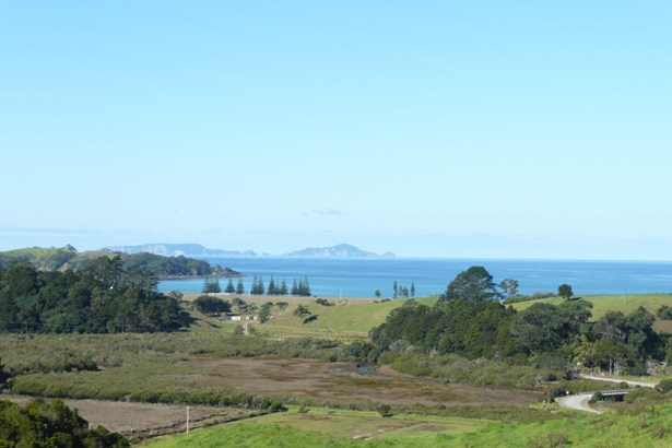 156 Hailes Road, Whananaki, Northland - NZL (photo 2)