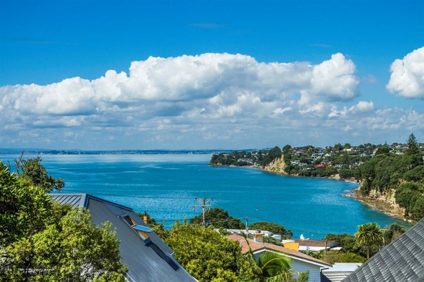 2/22 Gulf View Road, Murrays Bay, Auckland - NZL (photo 1)
