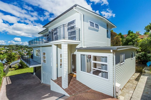 2/22 Gulf View Road, Murrays Bay, Auckland - NZL (photo 2)