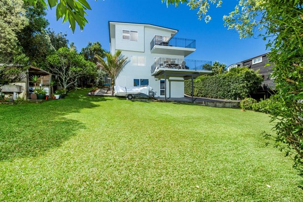 2/22 Gulf View Road, Murrays Bay, Auckland - NZL (photo 4)