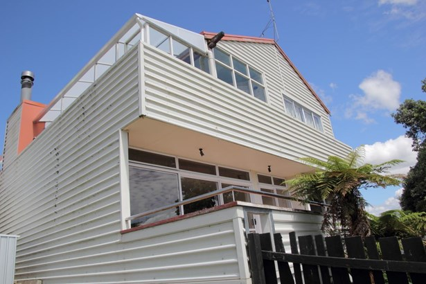 88 Commercial Road, Helensville, Auckland - NZL (photo 2)