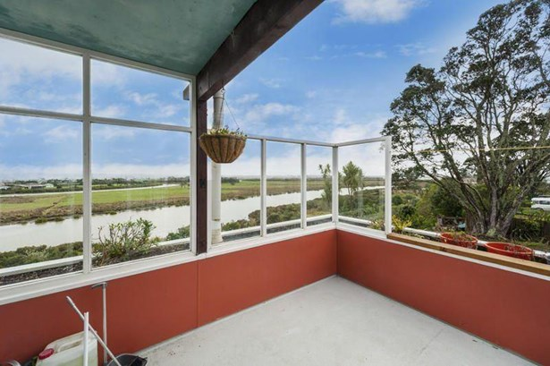 88 Commercial Road, Helensville, Auckland - NZL (photo 5)