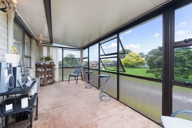 1/39 Hedge Row, Sunnyhills, Auckland - NZL (photo 2)