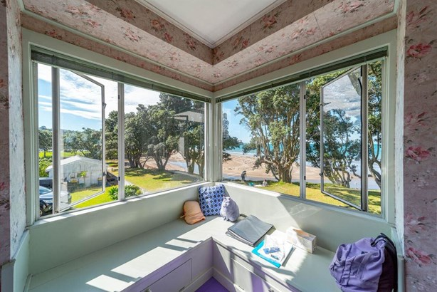 4 Browns Bay Road, Rothesay Bay, Auckland - NZL (photo 3)
