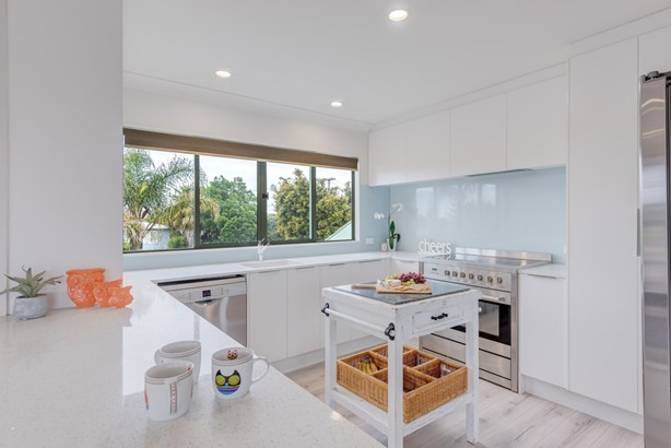 60 Bell Road, Beachlands, Auckland - NZL (photo 3)