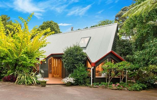 13 Poronui Street, Mt Eden, Auckland - NZL (photo 2)