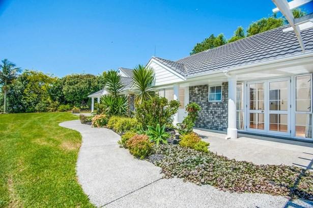 65 Lascelles Drive, Dairy Flat, Auckland - NZL (photo 3)