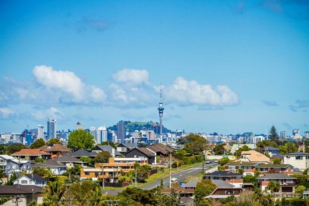 10b Parr Terrace, Castor Bay, Auckland - NZL (photo 2)