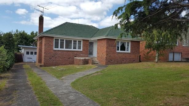 674 Richardson Road, Mt Roskill, Auckland - NZL (photo 2)