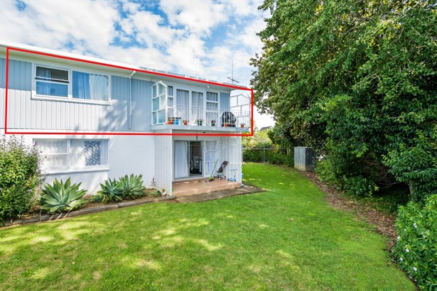 6/133 Shakespeare Road, Milford, Auckland - NZL (photo 2)