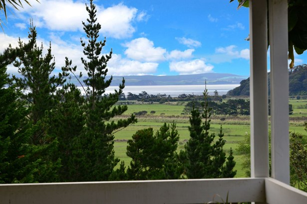 2171 Kaipara Coast Highway, Makarau, Auckland - NZL (photo 2)