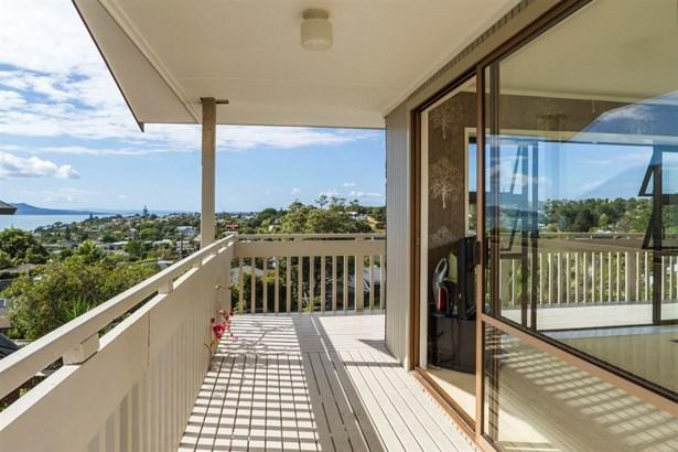 29 Jellicoe Road, Murrays Bay, Auckland - NZL (photo 2)
