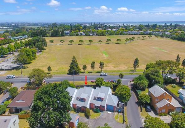2 Blumhardt Place, Avondale, Auckland - NZL (photo 1)