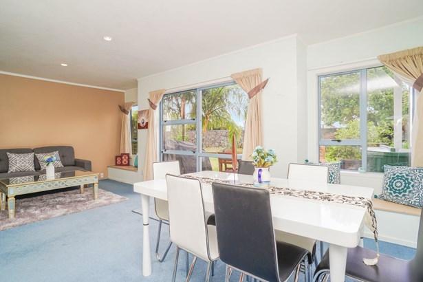 2 Blumhardt Place, Avondale, Auckland - NZL (photo 3)