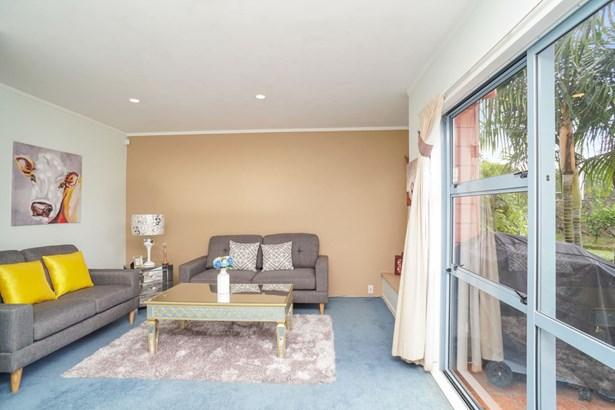 2 Blumhardt Place, Avondale, Auckland - NZL (photo 4)