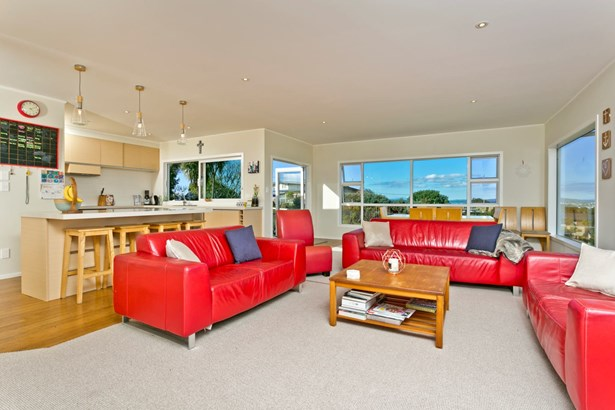 94 Raleigh Road, Northcote, Auckland - NZL (photo 4)