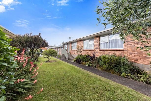 26 West Coast Road, Glen Eden, Auckland - NZL (photo 4)
