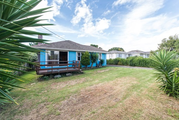 58 Waipani Road, Te Atatu Peninsula, Auckland - NZL (photo 3)