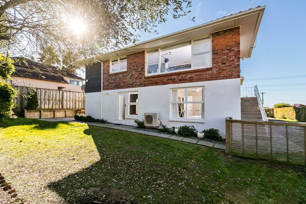 1/96 East Coast Road, Forrest Hill, Auckland - NZL (photo 4)
