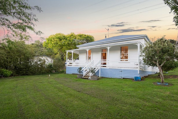 82 Burns Lane, Kumeu, Auckland - NZL (photo 4)