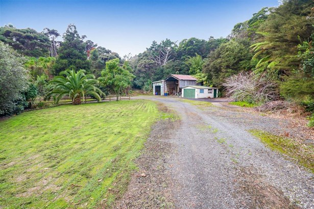 67a Rangeview Road, Sunnyvale, Auckland - NZL (photo 5)