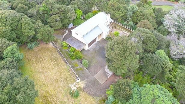 67a Rangeview Road, Sunnyvale, Auckland - NZL (photo 2)