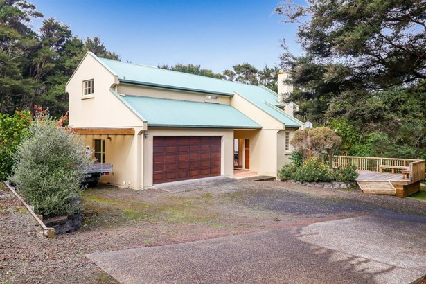 67a Rangeview Road, Sunnyvale, Auckland - NZL (photo 4)