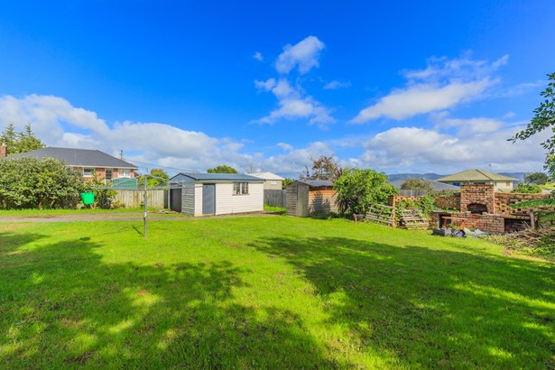 4 Waitaki Street, Henderson, Auckland - NZL (photo 1)